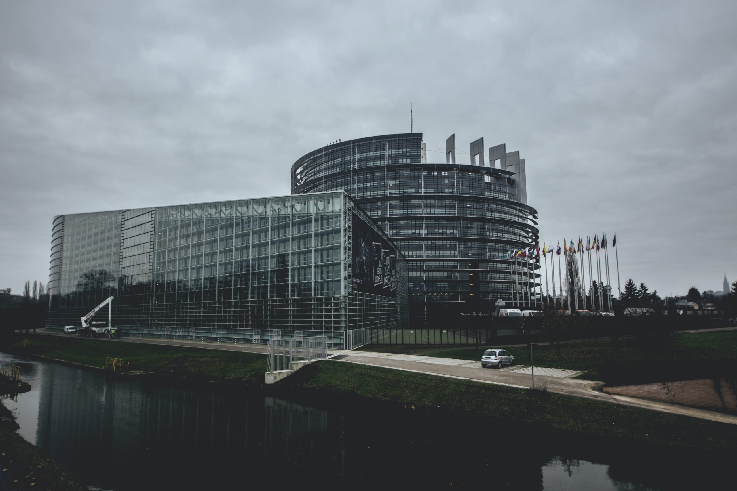 Sustainable Finance and EU Taxonomy: Commission takes further steps to channel money towards sustainable activities